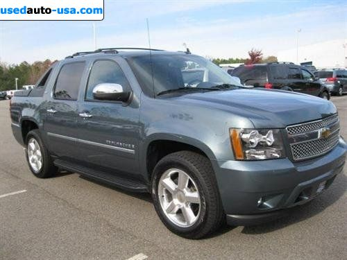 for sale 2009 passenger car chevrolet avalanche ltz cary insurance rate quote price 36999. Black Bedroom Furniture Sets. Home Design Ideas