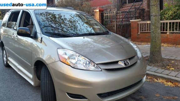 Car Market in USA - For Sale 2010  Toyota Sienna LE 7 Passenger